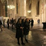 Expositie Rauw Licht opening Lebuinuskerk bezoekers